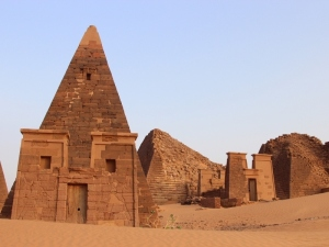 084422_piramidasudan1